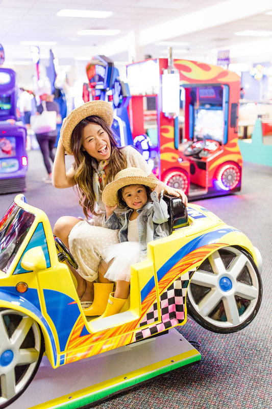 Fun kids activity indoor family games in Houston Chuck E Cheese's