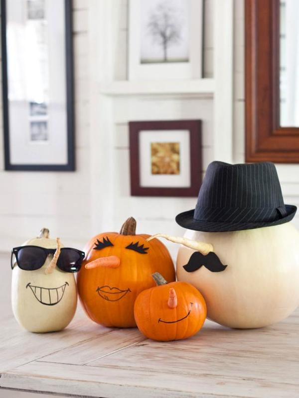 DIY No Carve Party Pumpkins! Use vegetables to create these awesome no carve pumpkins idea. this has to be the easiest Halloween Crafts project ever #halloween #pumpkins #fall