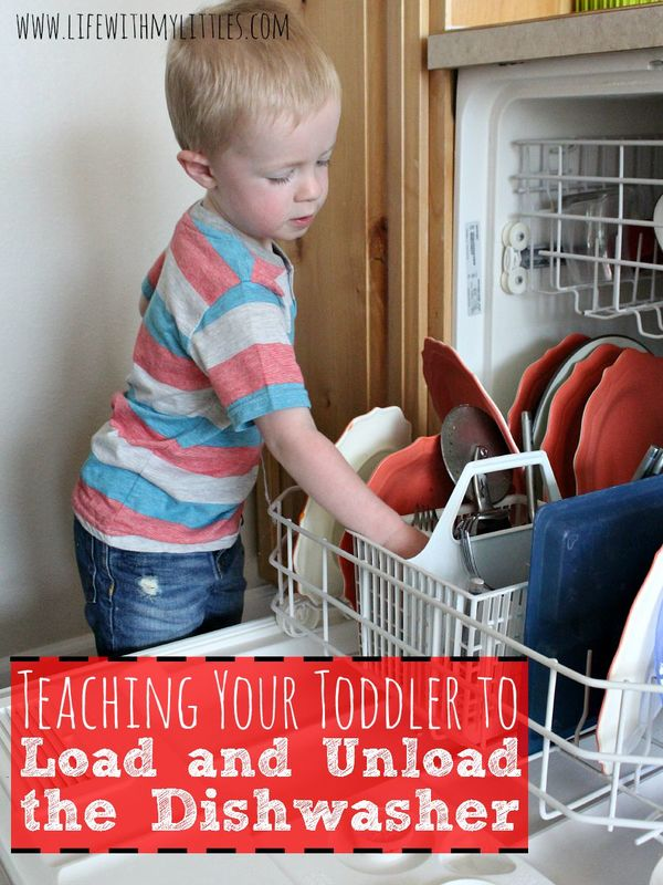 How to teach your toddler to load and unload the dishwasher! Tips to help you show him what to do, plus a free clean/dirty sign!