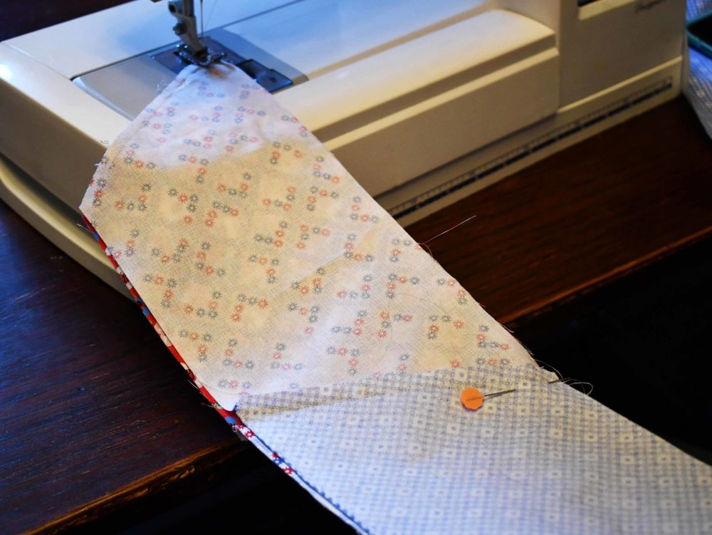 Quilting the Half Hexie Strips Together
