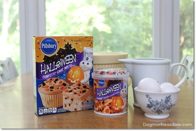 Pillsbury™ Funfetti® Halloween Cake Mix and Pillsbury™ Funfetti® Halloween Vanilla Flavored Frosting