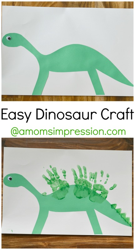 This simple dinosaur craft is a wonderful craft for kids who love dinosaurs! Use different colors to make all different kinds of dinosaurs! #ad