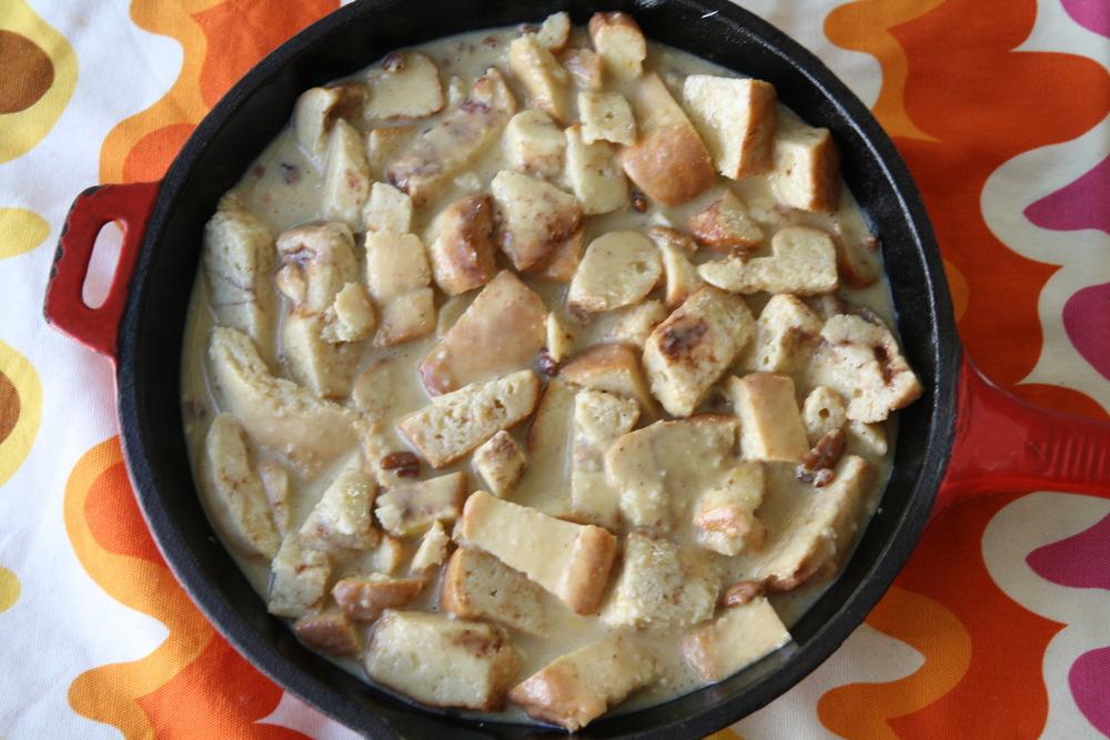 Cinnamon Bun Bread Pudding {Recipe}