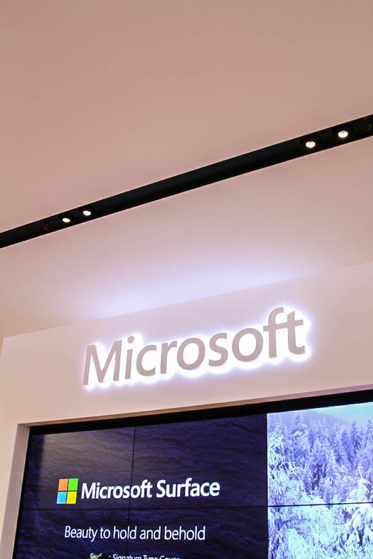 Microsoft Store Sign 1