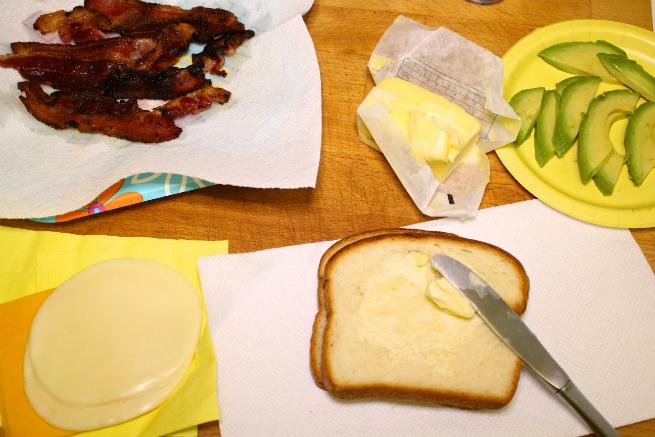 Easy Bacon, Avocado, & Cheese Panini Recipe-Step-1
