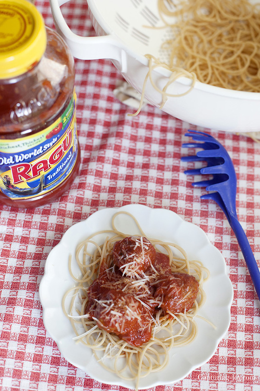 Ragu Spaghetti and meatballs