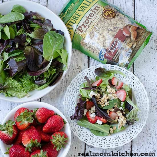 Salad with Nature Valley Protein Granola | realmomkitchen.com