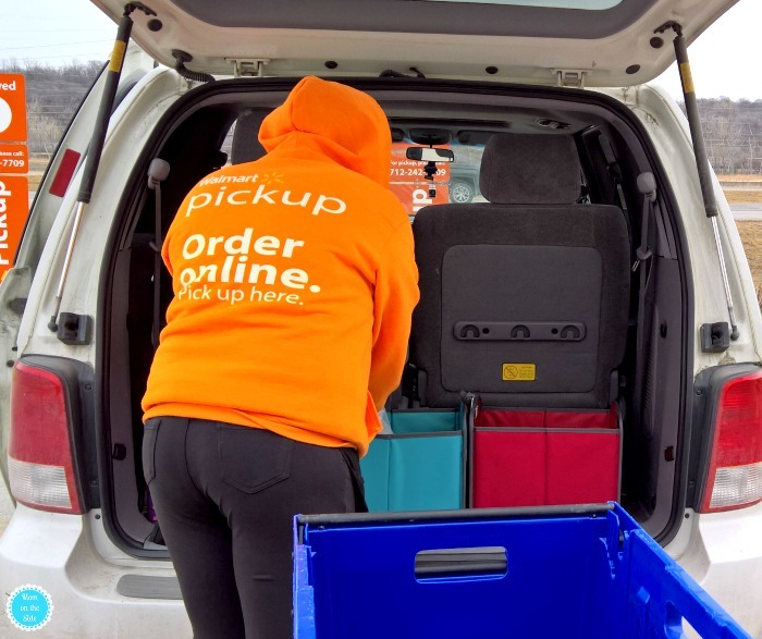 How does Walmart Online Grocery Pickup work and why it's mom's best friend