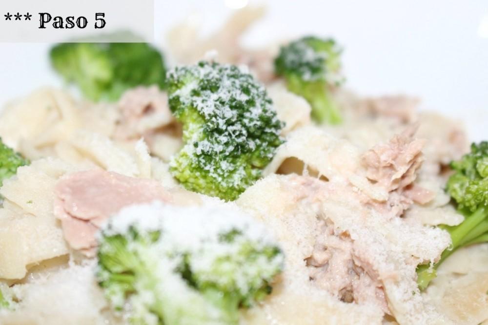 Tuna-Fettucini-Spaghetti-with-Brocoli.-6jpg
