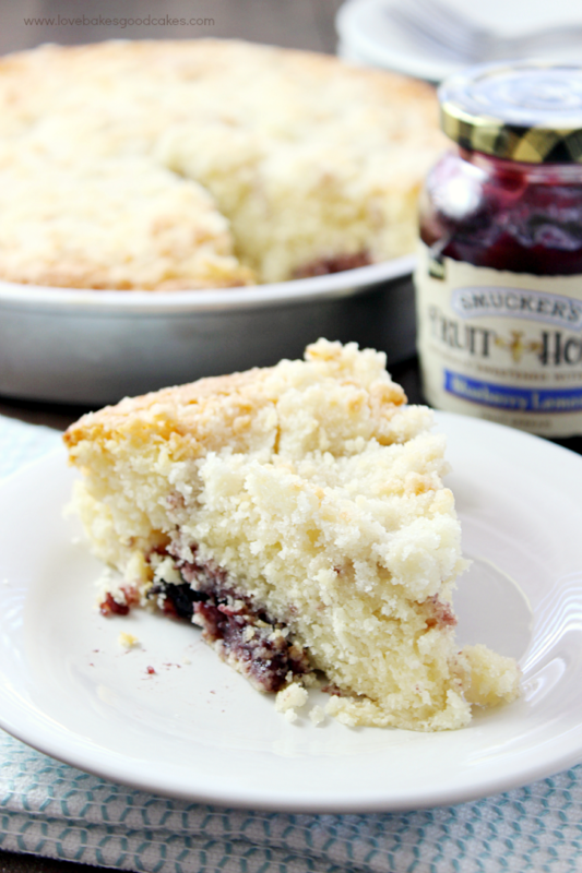 Take your breakfast to a whole new level with this Blueberry Lemon Crumb Coffee Cake! Easy to make recipe! #FruitandHoney #WalMart #ad