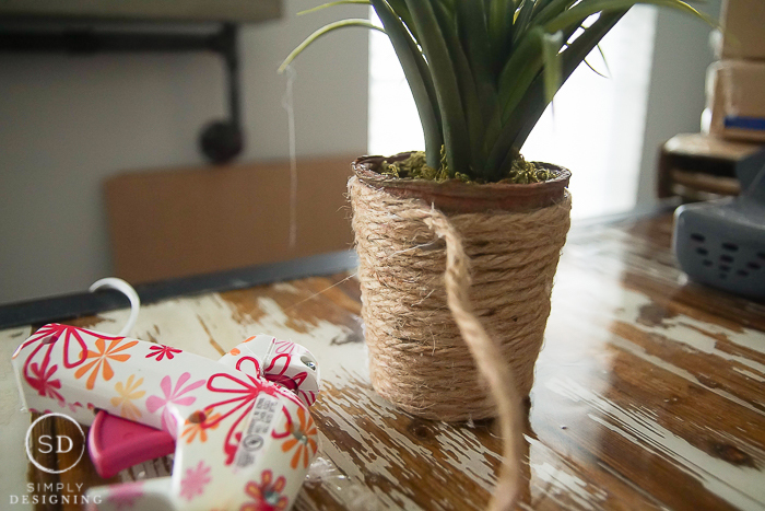 Cover Container with Jute