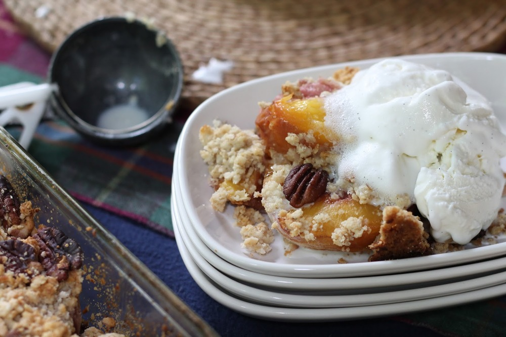 peach crisp, easy peach crisp, delicious peach recipes, peaches, peach, recipes, summer, peach crisp recipe