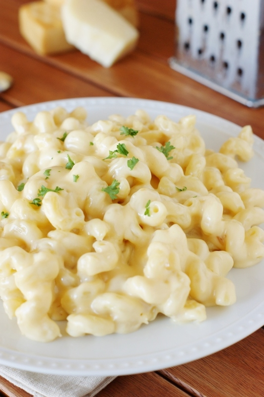 5-Cheese Stovetop Macaroni and Cheese   www.thekitchenismyplayground.com