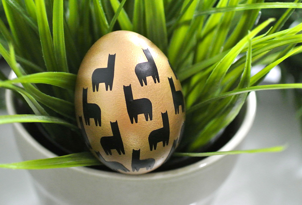 Why you need the Cricut Explore Air 2--personalized Easter Eggs
