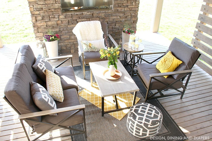 outdoor living space for summer