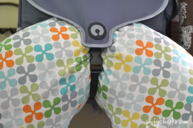 Mom Fashion & Function. Outfit and Boppy® Diaper Bag