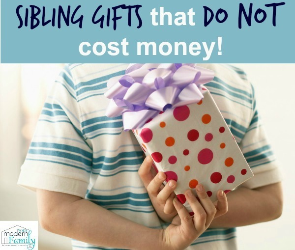 Sibling Gifts that don't cost money (& don't cause stress!)